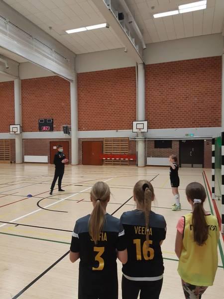 ÅIFK:n maajoukkuepelaaja vieraili joukkueen harjoituksissa