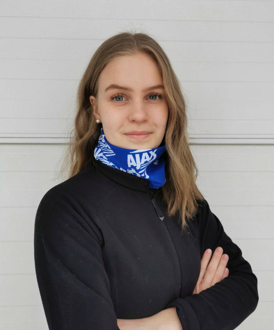 Liikuntaneuvojaopiskelija Wilma harjoittelussa Ajaxissa
