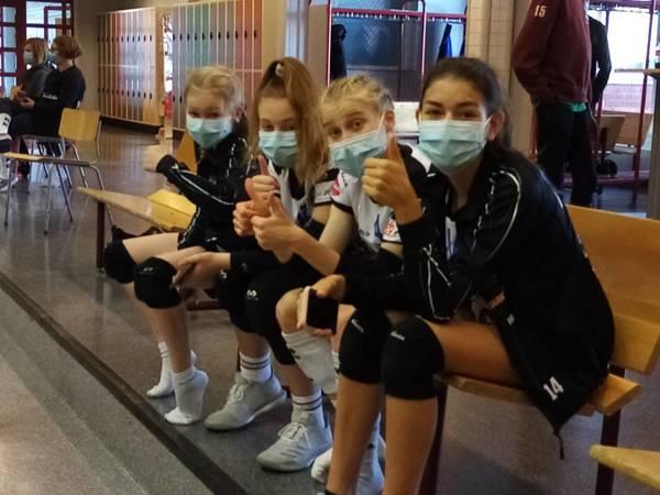 C-tyttöjen lentopallokausi korkattu