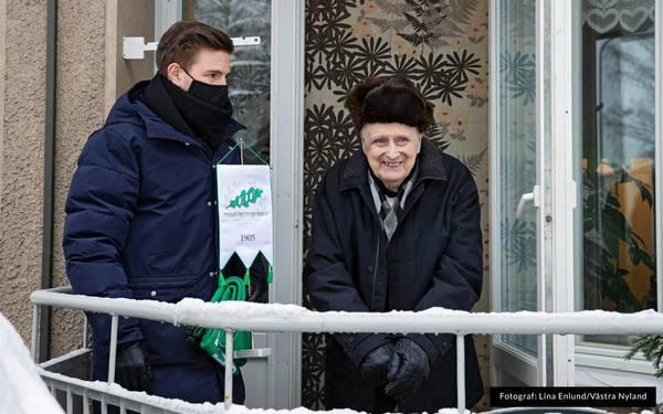 """EIF-keepern Ragnar """"Tjallila"""" Holmström, 100 år."""