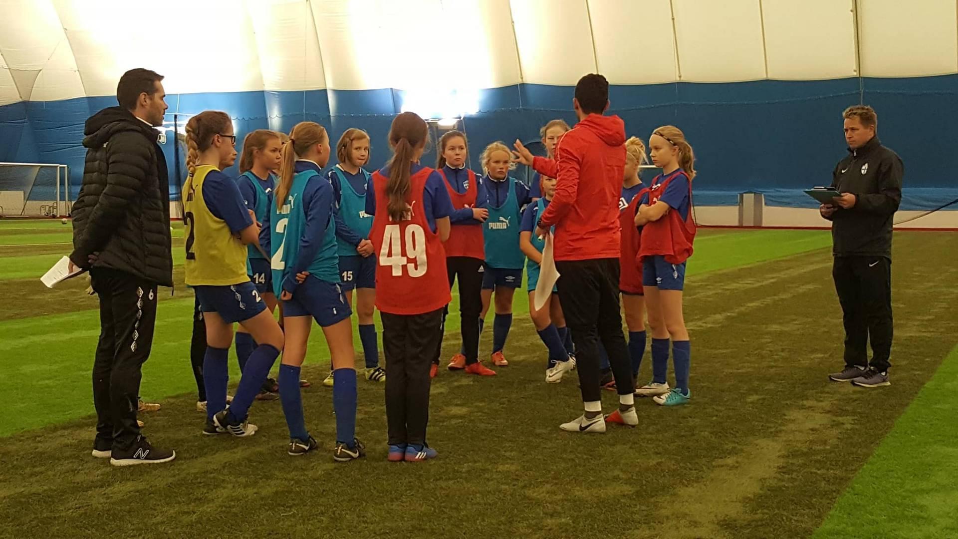 EBK T05 pääsi malliryhmäksi UEFA B -valmennuskurssille