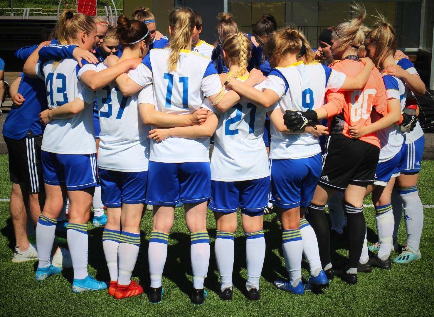 Naisten edustusjoukkueen jalkapalloharjoitukset alkavat