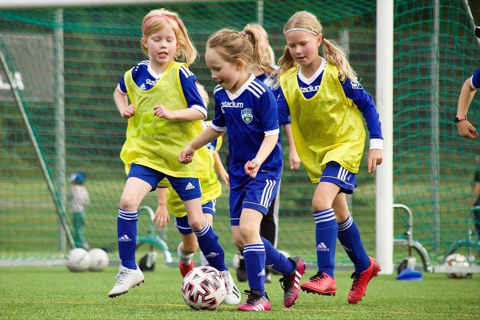 EBK perustaa uudet ikäluokka joukkueet 2015-2016 syntyneille tytöille ja 2016 pojille alkaen 2.10