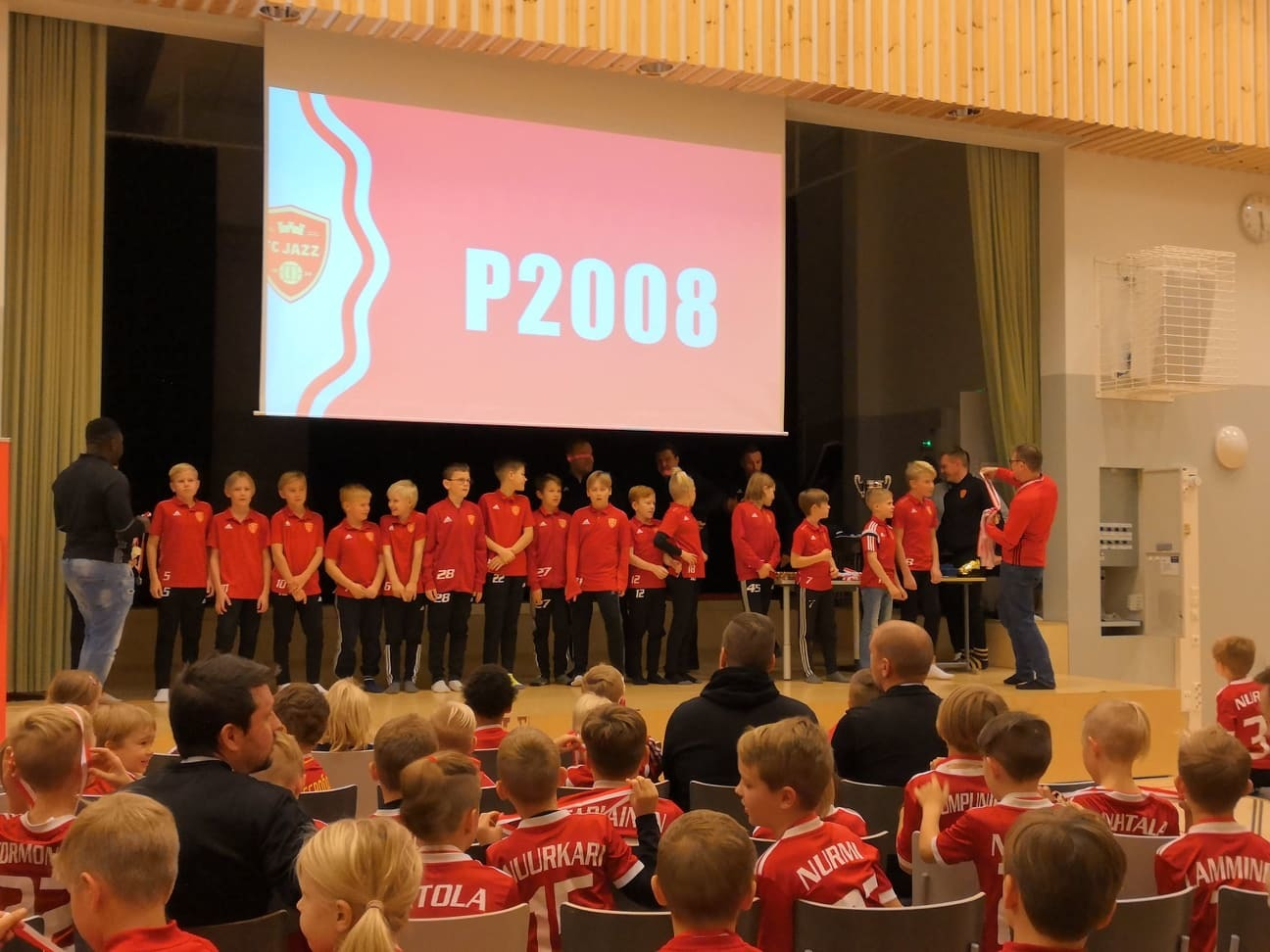 Seuran päättäjäisissä palkittiin joukkueen jäseniä