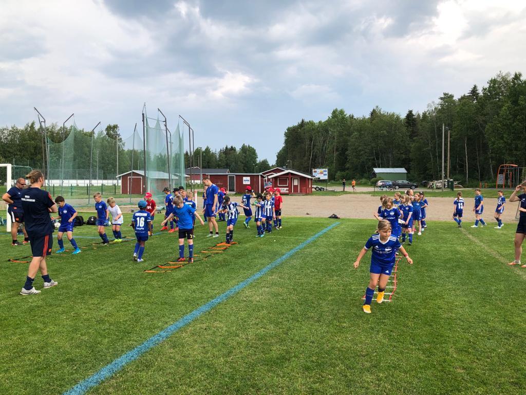 Fyra dagar på fotbollsskola med WFA