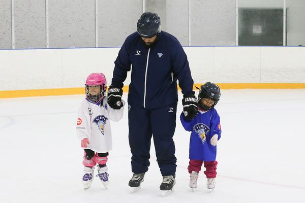 Lapsi-vanhempi luistelu ja Easy hockey tulee taas!