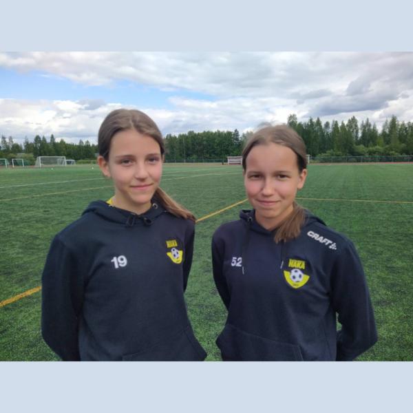 Molemmat P13/P14 joukkueen tytöistä U14 Helmareiden turnaukseen