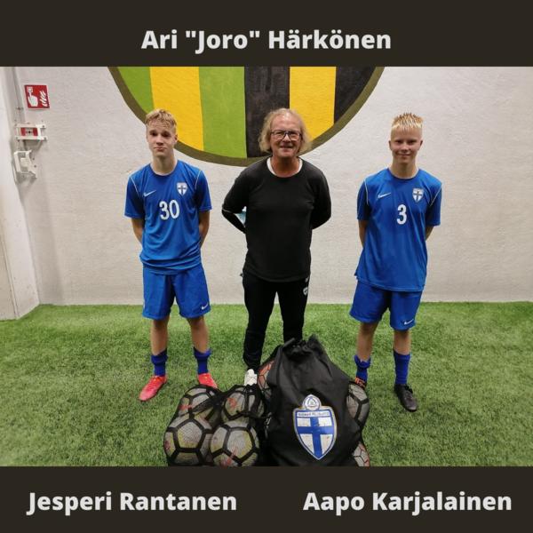 Aapo ja Jesperi Pohjoisen alueen P2006 alueleirillä Oulussa