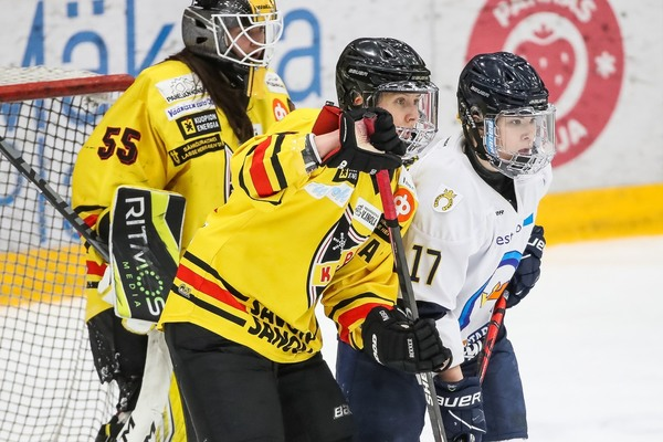 Taistelu mestaruudesta jatkuu - Kiekko-Espoo yhden voiton päässä