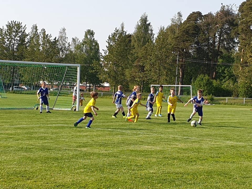Jalkapallo 2012 syntyneet Tervetuloa mukaan !!!
