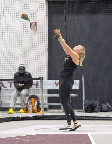 Sara Killinen heitti Suomen ennätyksen