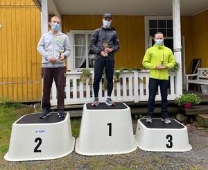 Miesten kilpasarjan kolmen kärki: Timo Mäenpää, Mikko Laaksonen ja Ville Anttila
