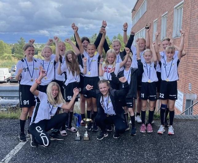 T14 voitti Loisto Cupin 2021!