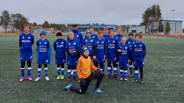 SoPa D-pojilla vahva kauden avaus kotikentällä - voitto ja tiukka häviö Rovaniemen joukkueita vastaa