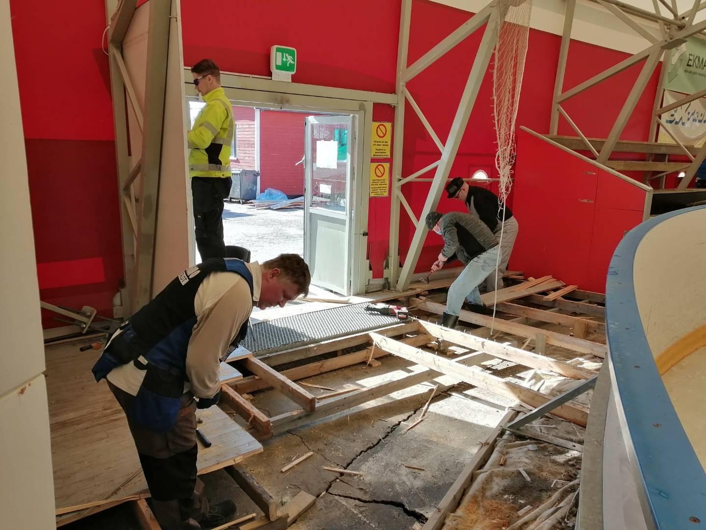 Ishallens byggprojekt framskrider planenligt - Jäähallin rakennushanke etenee suunnitelmien  mukaan