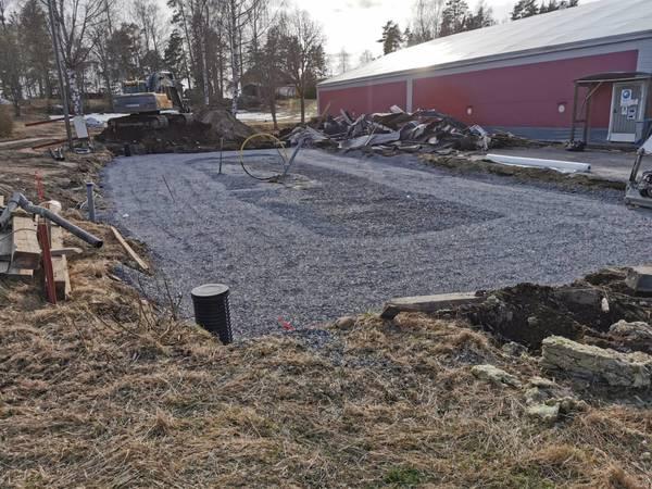 Byggprojektet framskrider - rakennushanke edistyy