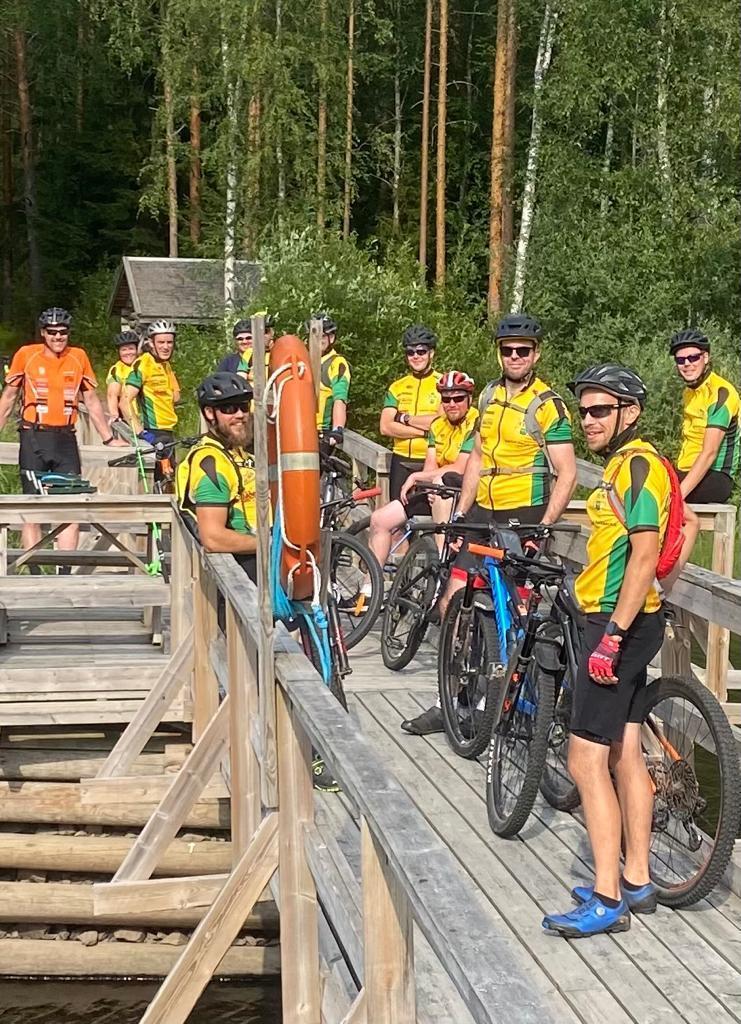 Cykelgrupperna på långlänk / Pyöräilyryhmät pitkiksellä