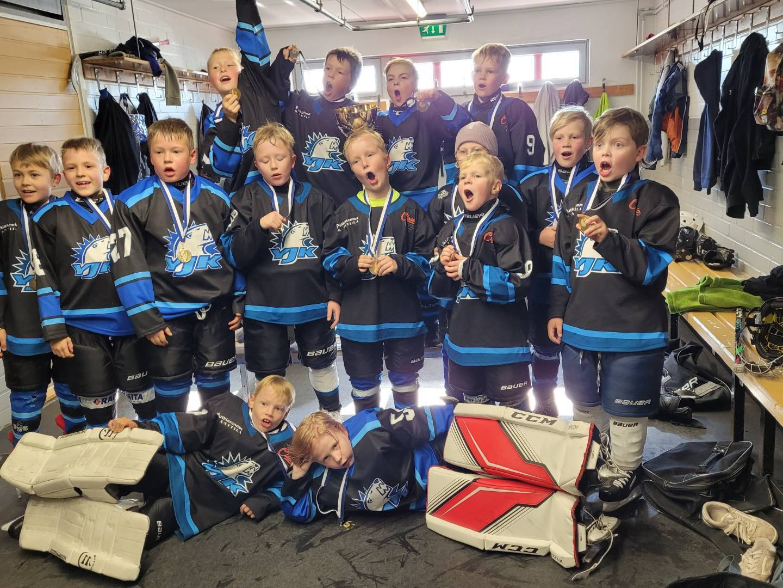 YJK U9-13 molemmat joukkueet Tervis- turnauksen finaaliin!!
